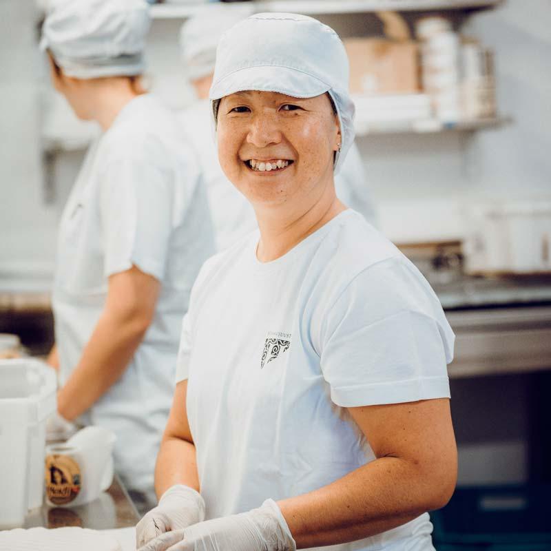 Tomo Matsufuji-Ylimys - Herkkujuustola