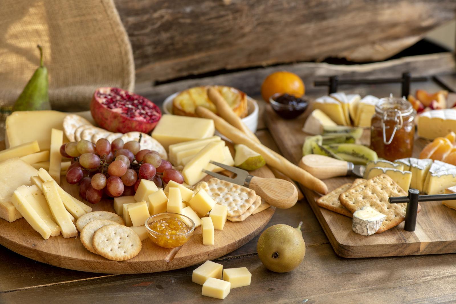 Herkkujuustolan juustotarjotin viikunahillolla - Hellapoliisin resepti